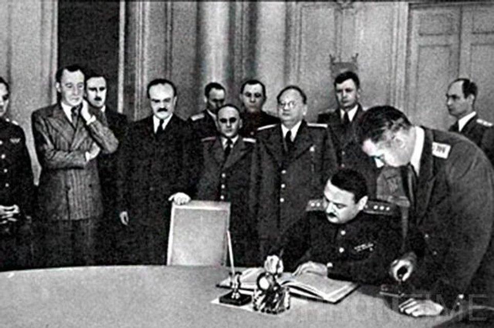 Подписание Соглашения о перемирии от 19 сентября 1944 года - фото 75041
