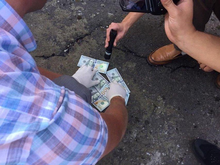 Начальника исправительного учреждения задержали на горячем - фото 71055