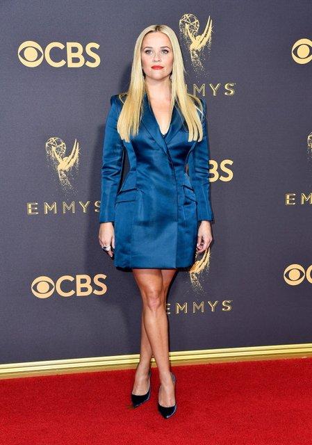 Эмми 2017: лучшие платья звезд - фото 74603