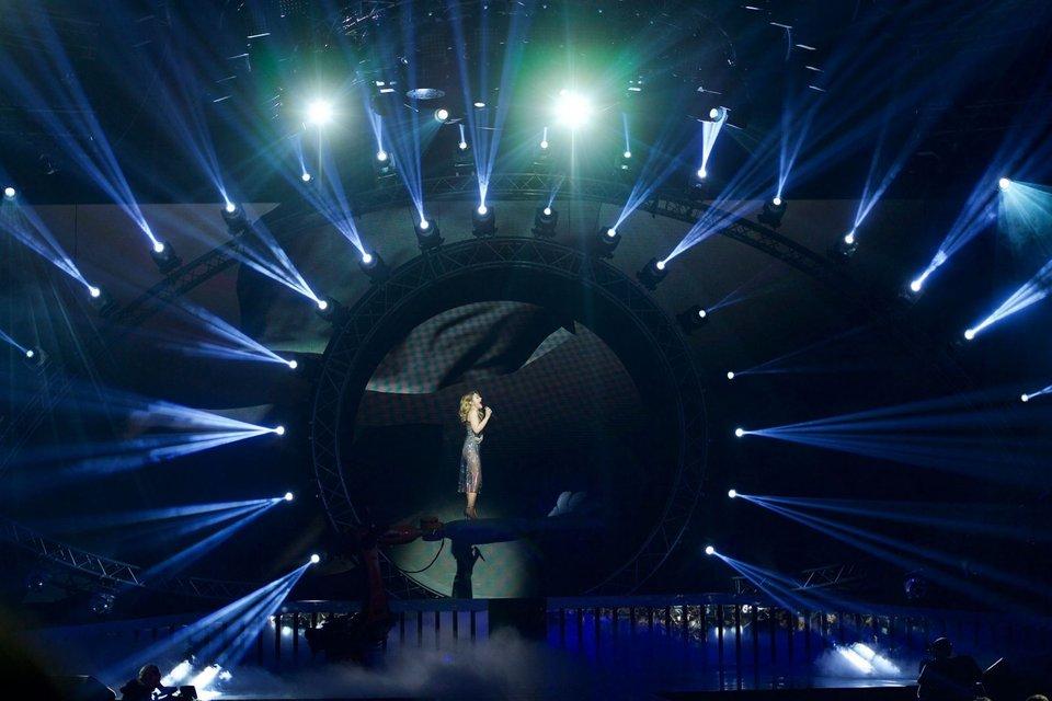 Тина Кароль в сексуальном образе спела в финале Мисс Украина-2017 - фото 72725