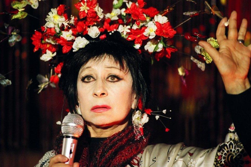 """""""Ты сдохнешь не своей смертью"""": Лии Ахеджаковой угрожают из-за ее проукраинской позиции - фото 73568"""