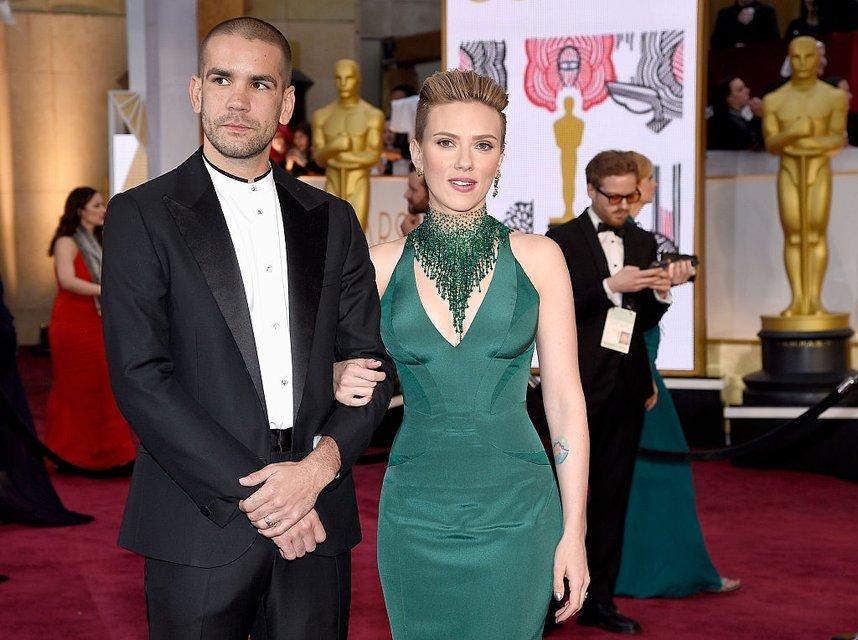 Скарлетт Йоханссон официально развелась с Романом Дориаком - фото 73805