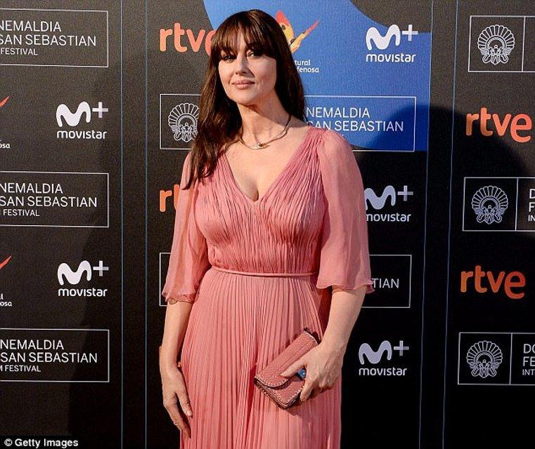 Моника Беллуччи получила награду на кинофестивале в Сен-Себастиан - фото 77477