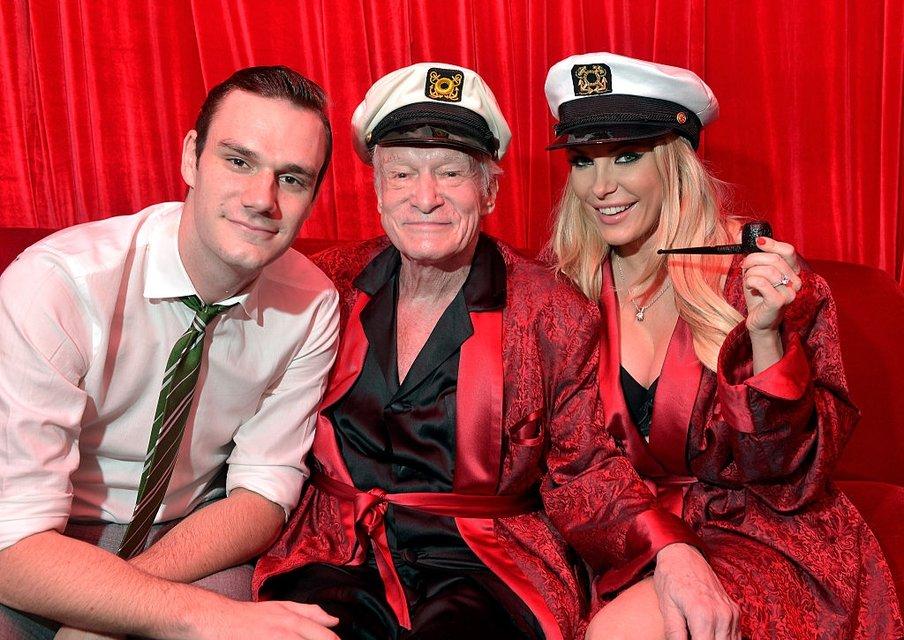 Хью Хефнер - дети. Основатель Playboy с сыном Купером и женой Кристал Харрис - фото 77036