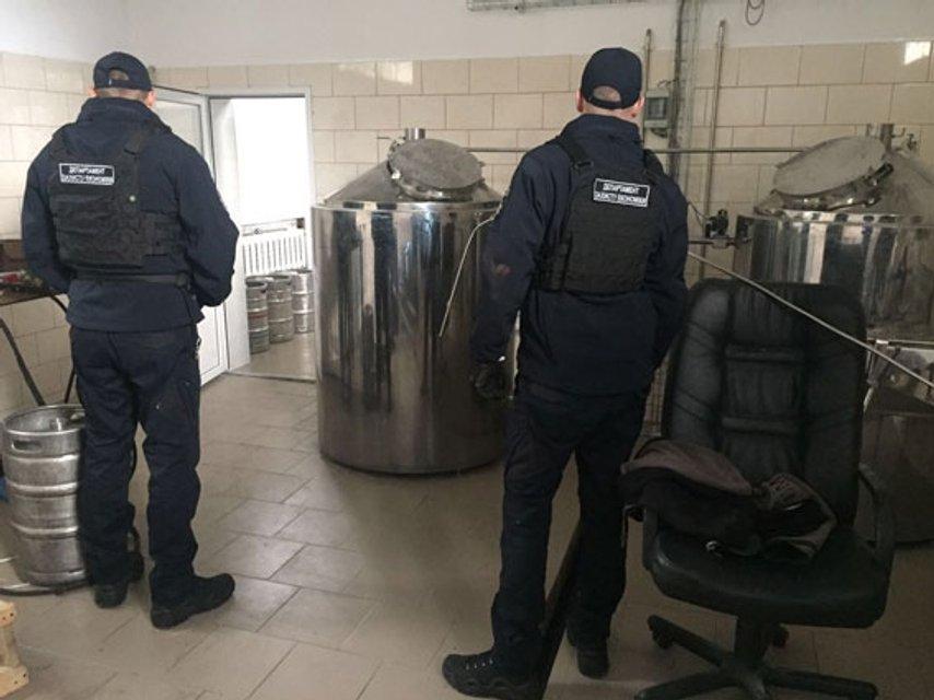 Полиция разоблачила цех по производству поддельного пива(фото) - фото 76661