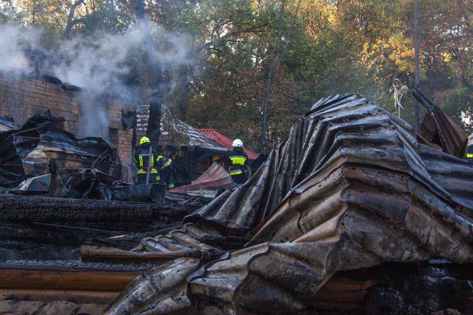 Ресторан сгорел полностью - фото 75802
