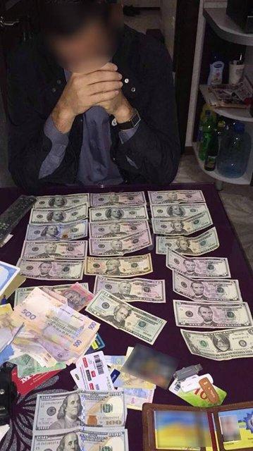 На взятке попался руководитель исполнительной службы Одесской области - фото 77488