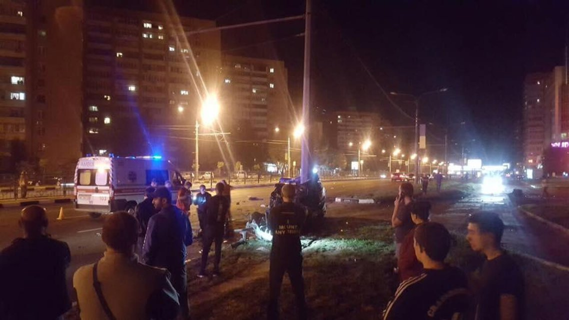 Машину разнесло: в жуткой аварии в Харькове погибли трое иностранцев - фото 74050