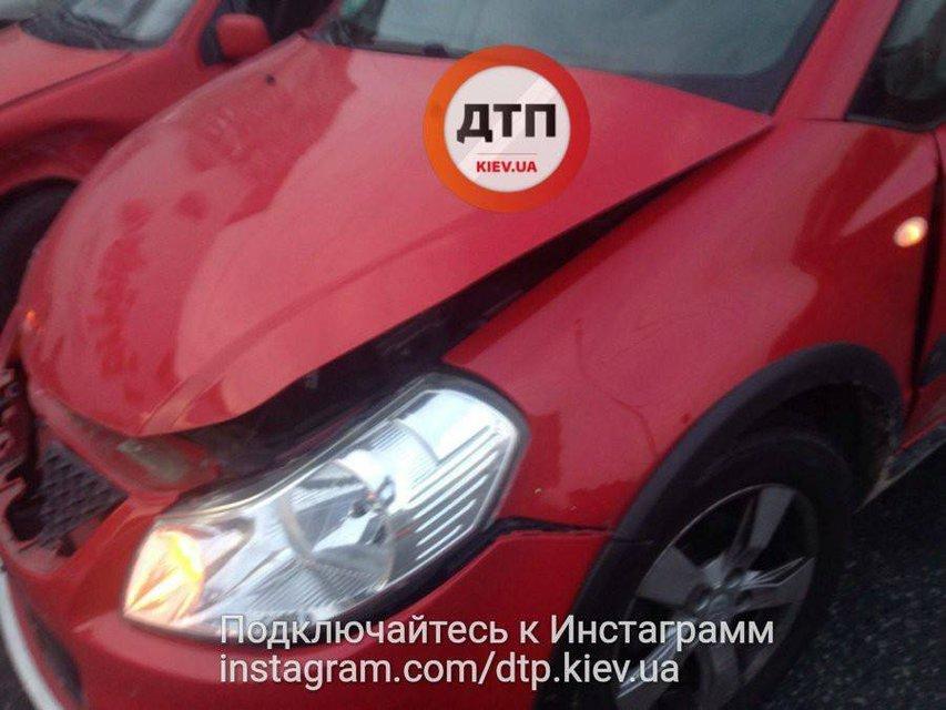 Водитель без страховки устроил ДТП с пострадавшими в Киеве - фото 73679