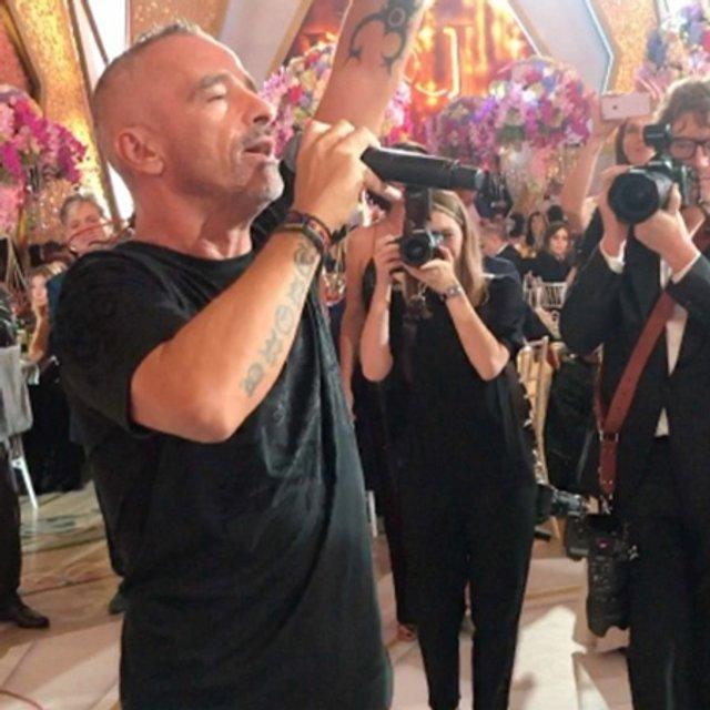 Эрос Рамазотти спел на свадьбе армянина Карапетяна - фото 74533