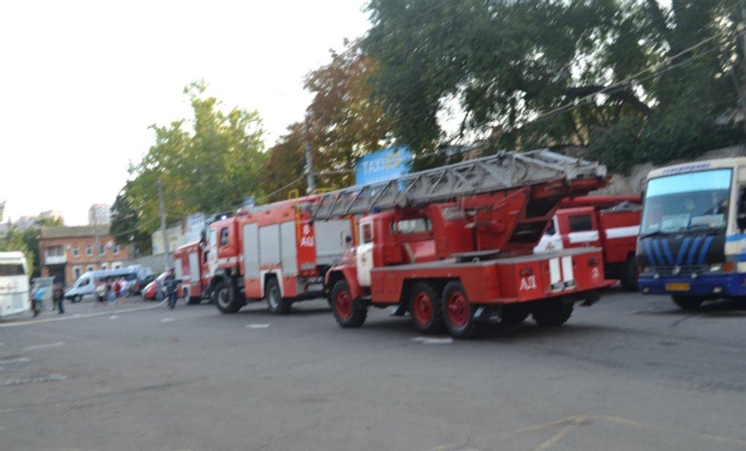 Пожар в Одессе: горел центральный автовокзал - фото 71172