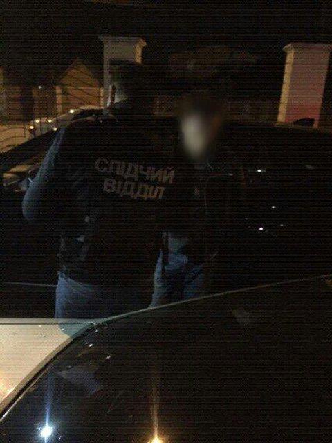 На взятке попался руководитель исполнительной службы Одесской области - фото 77487
