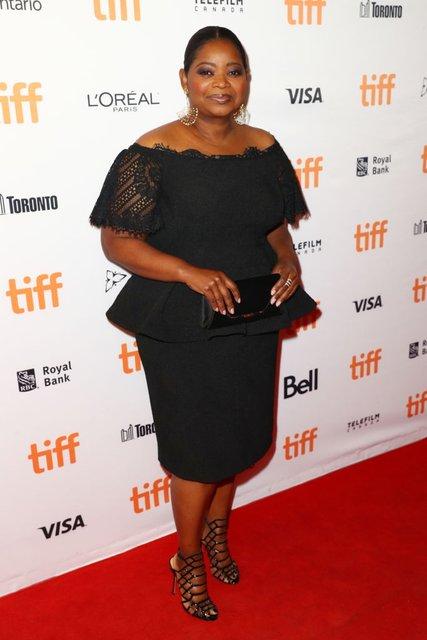Кидман, Викандер, Джоли и Уинслет восхитили нарядами на кинофестивале в Торонто - фото 73209