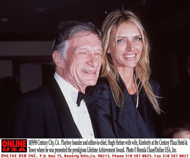 Хью Хефнер с Кимберли Конрад - фото 77038