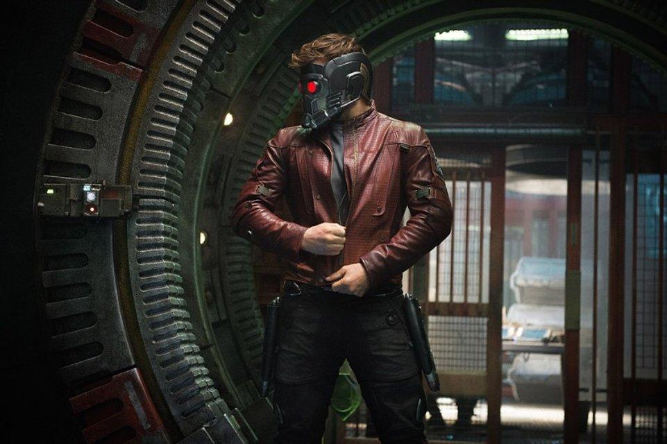 Аноним приобрел на аукционе шлем Звездного Лорда за $160 тыс - фото 77301