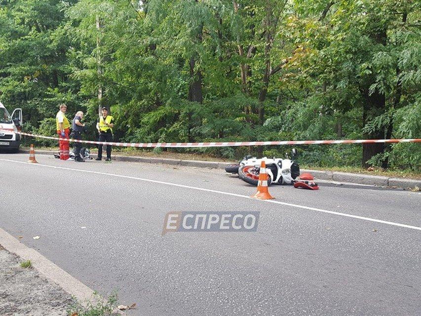 В голосеевском парке разбился мотоциклист - фото 72774