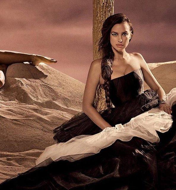 Ирина Шейк снялась в блестящей фотосессии для Vogue - фото 77560
