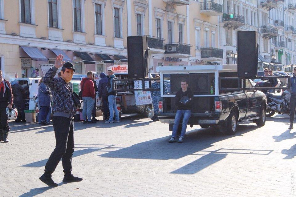 В Одессе закончился митинг Саакашвили - фото 77680