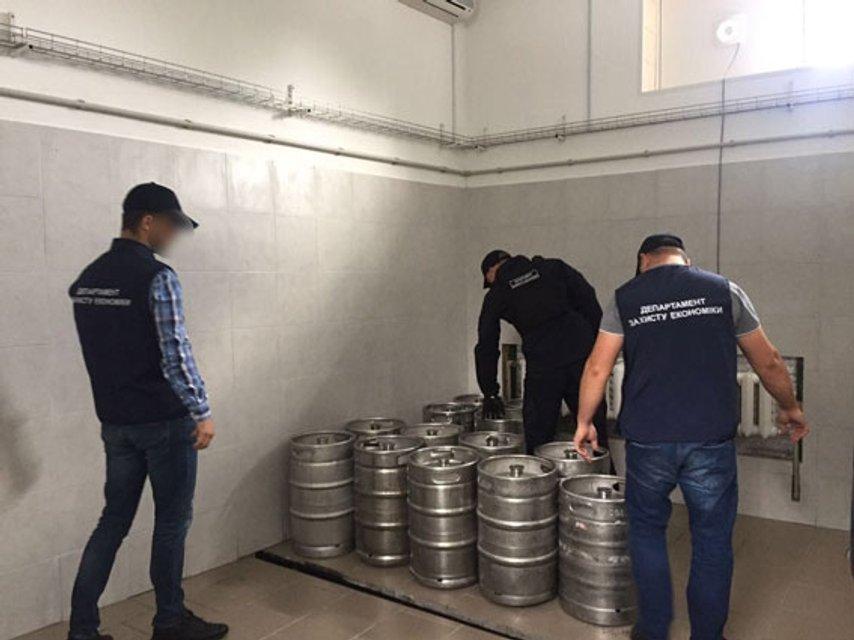 Полиция разоблачила цех по производству поддельного пива(фото) - фото 76662