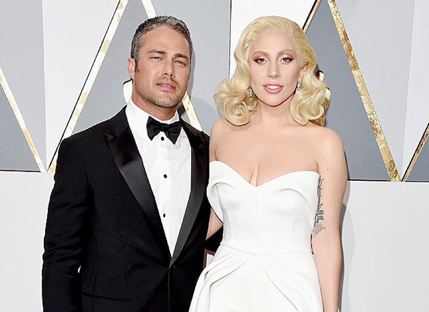 Леди Гага раскріла причину расставания с Тейлором Кинни - фото 73434
