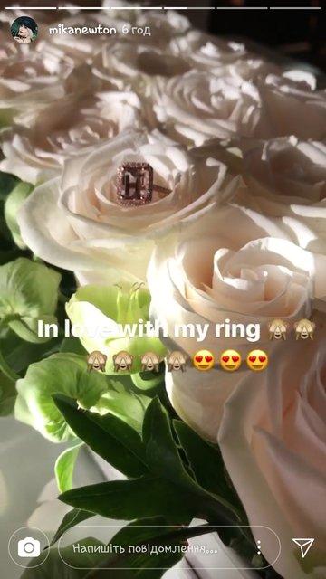 Мика Ньютон похвасталась помолвочным кольцом с огромным бриллиантом - фото 76716