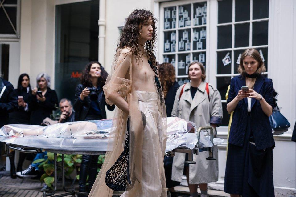 Лилия Литковская и Алан Бадоев произвели фурор на Парижской неделе моды - фото 78046
