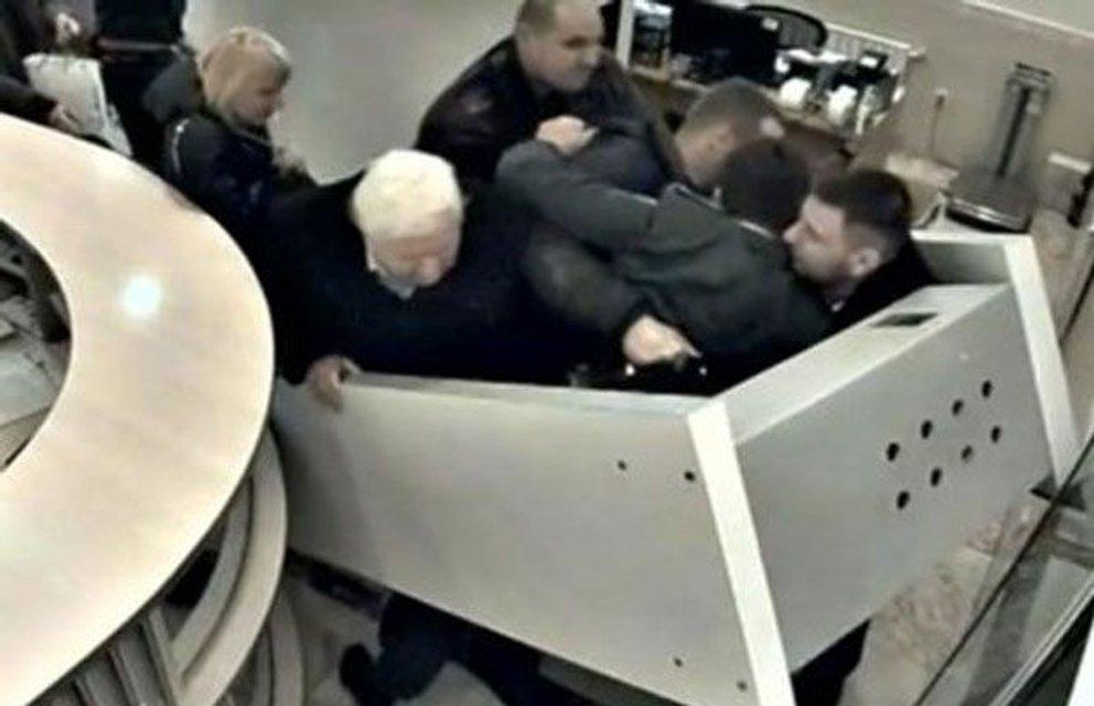 ГПУ проводит обыски у функционеров партии беглого Клименко - фото 82843