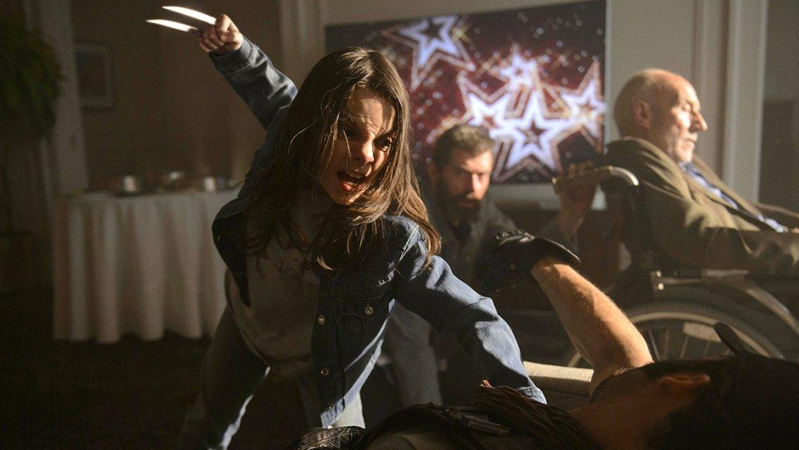 Дафни Кин в роли Лоры - фото 84399