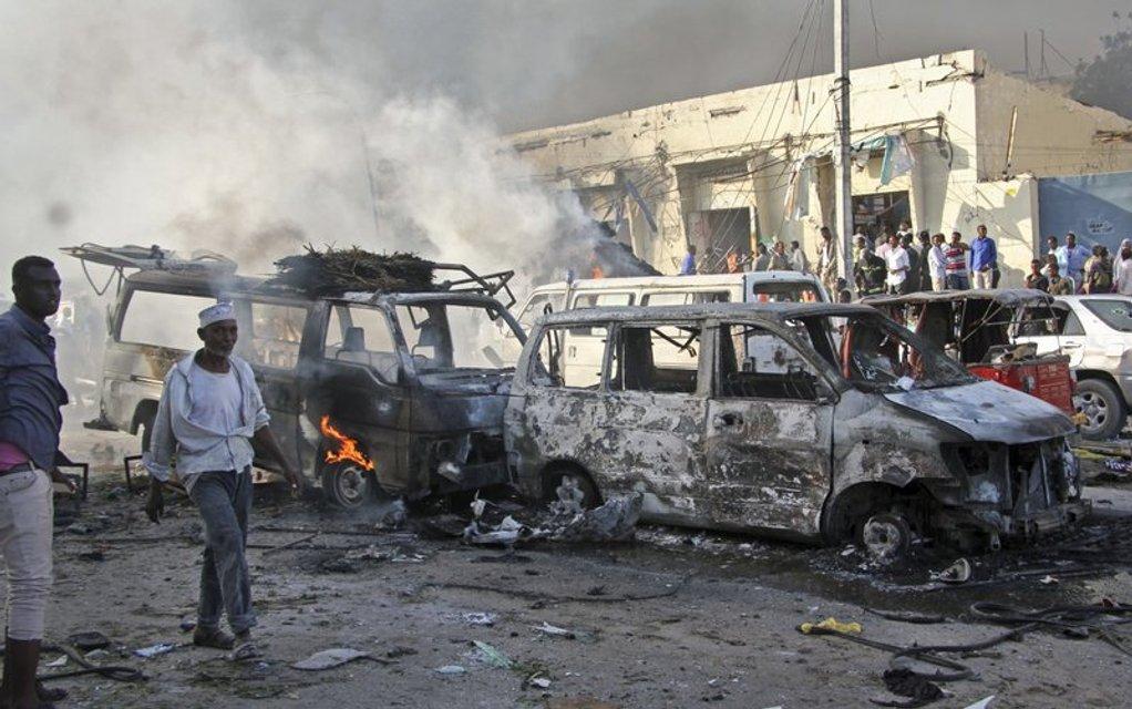 Взрыв прогремел в наиболее населенном районе города  - фото 81808