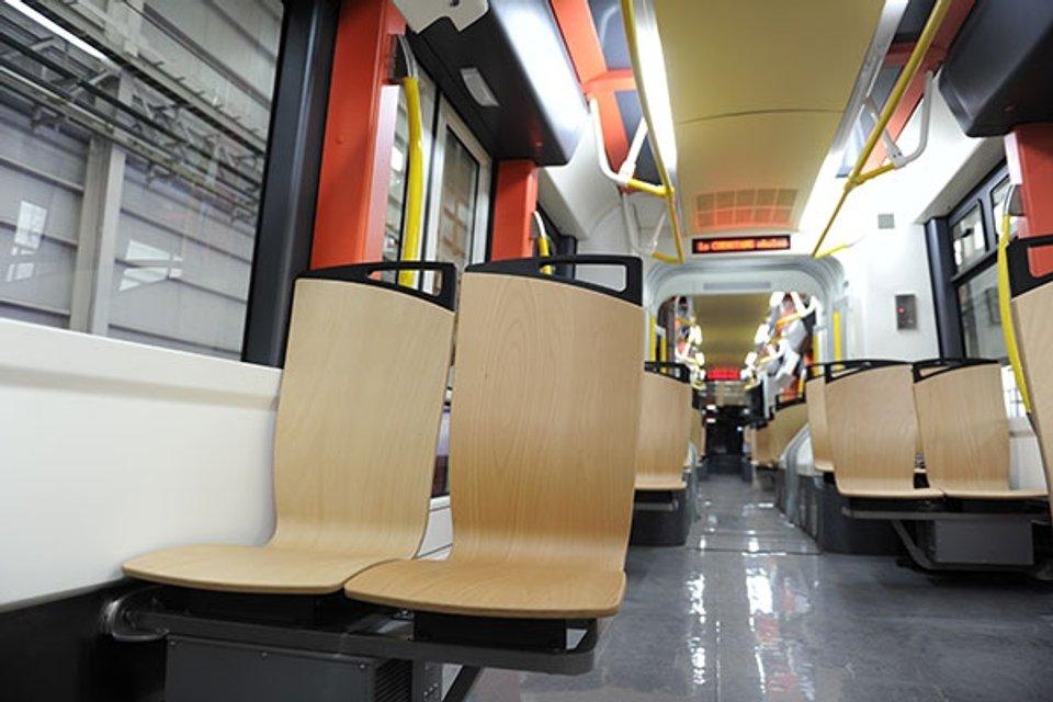 Сиденья водородного трамвая - фото 85597