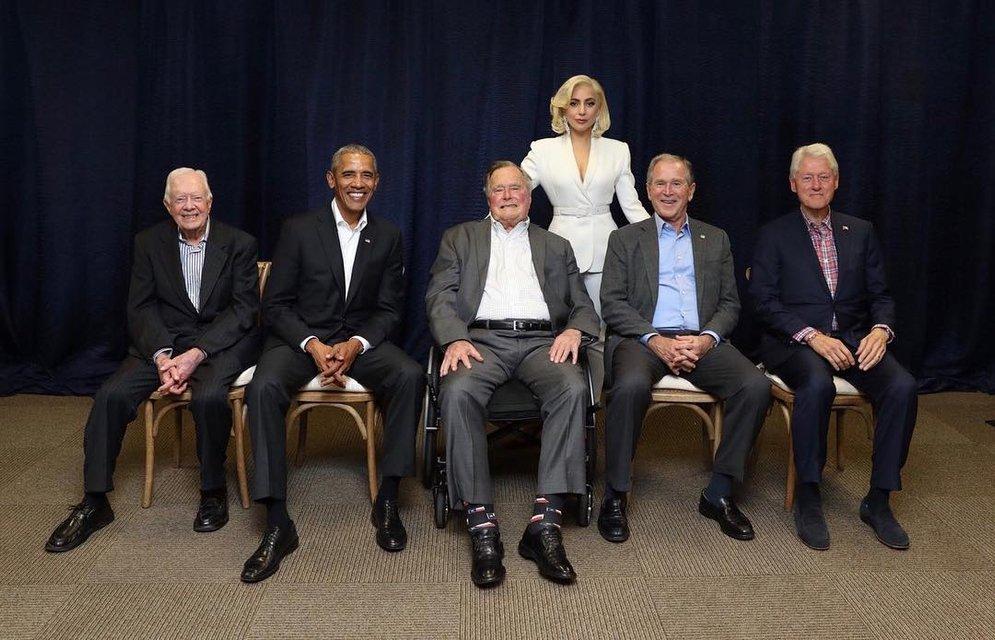 Леди Гага с экс-президентами США - фото 83945