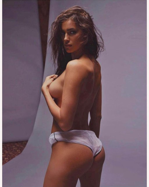 Ирина Шейк - фигура - фото 80240