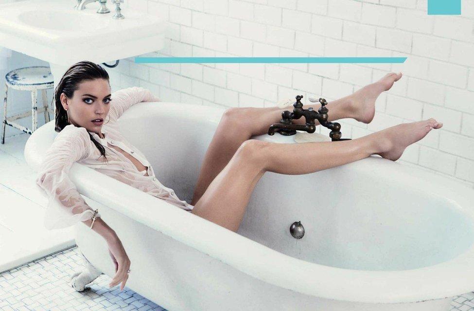 Супермодель Марта Хан топлес появилась на станицах модного глянца - фото 85041