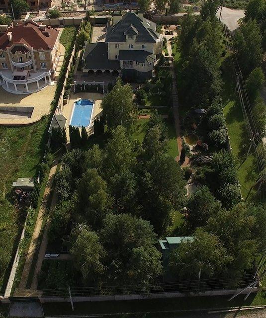 Кубло: Журналісти знайшли нове елітне селище можновладців із палацами та маєтками (фото) - фото 86025