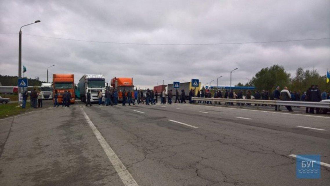Шахтеры заблокировали дорогу возле границы с Польшей - фото 80061