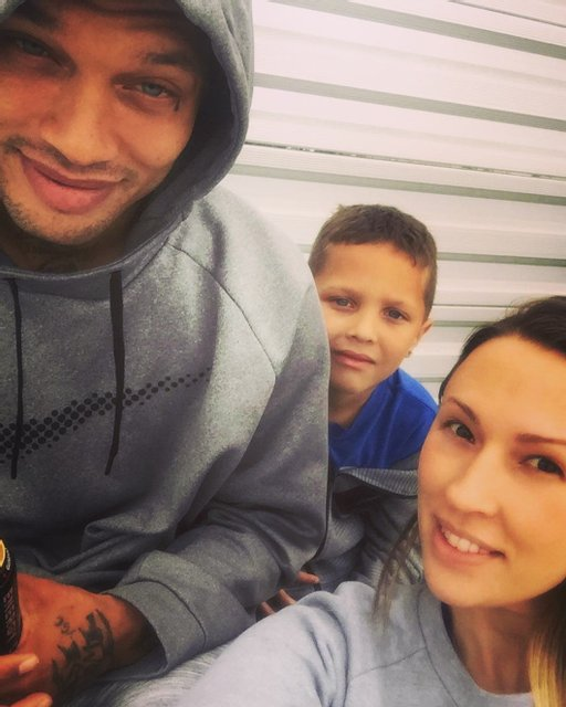 Джереми и Мелисса с сыном - фото 79490