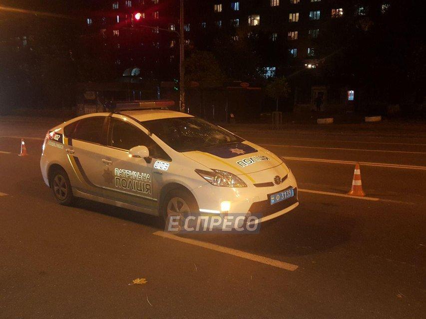 Киевские патрульные сбили пешехода - фото 84380