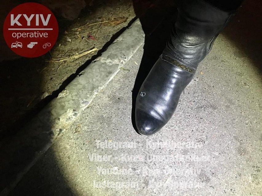 Стрельба в Киеве: неизвестный стрелял в женщину - фото 79765
