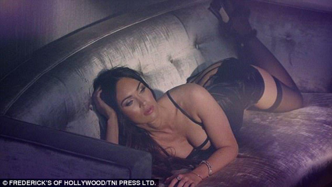 Меган Фокс в сексуальном белье снялась в откровенной фотосессии - фото 84610