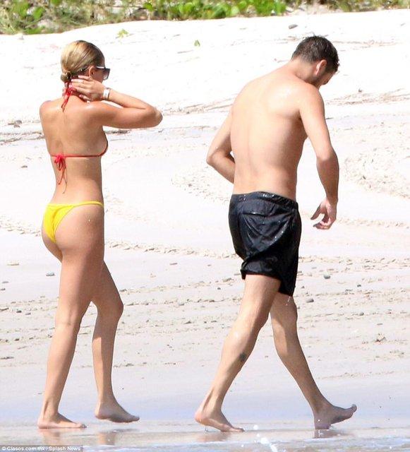 София Ричи и Скотт Дисик резвятся у моря в Мексике - фото 78247