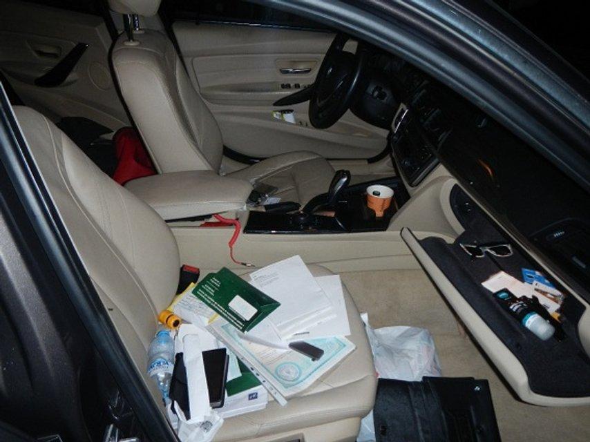 Обыск в ночном клубе Киева: полиция изъяла автомобиль BMW - фото 85606