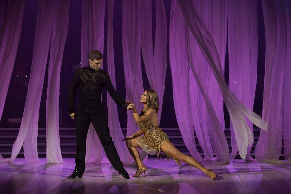 Танці з зірками 2017 10 выпуск финал - Наталья Могилевская и Игорь Кузьменко Румба - фото 85841