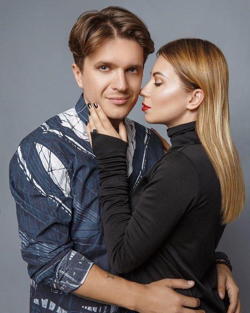 Анатолич с женой Юлой - фото 84370