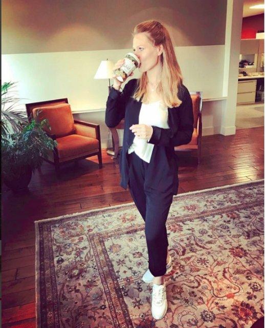 Ольга Фреймут ответила на критику своей внешности после родов - фото 80204