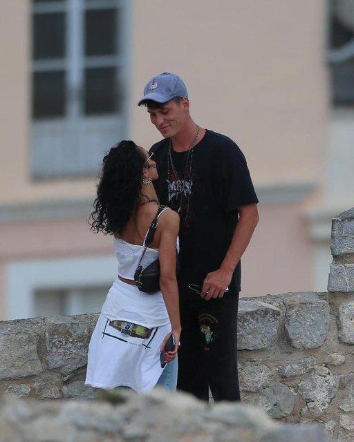 Бывшая невеста Паттинсона FKA Twigs встречается с манекенщиком - фото 81076
