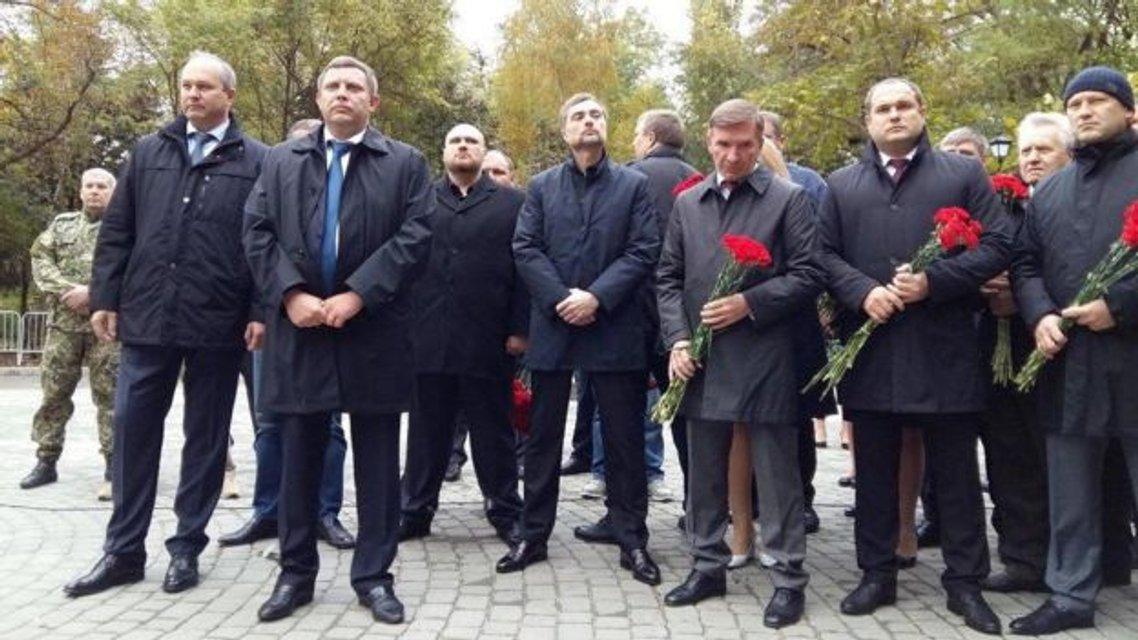 Сурков вместе с боевиками открыл памятник