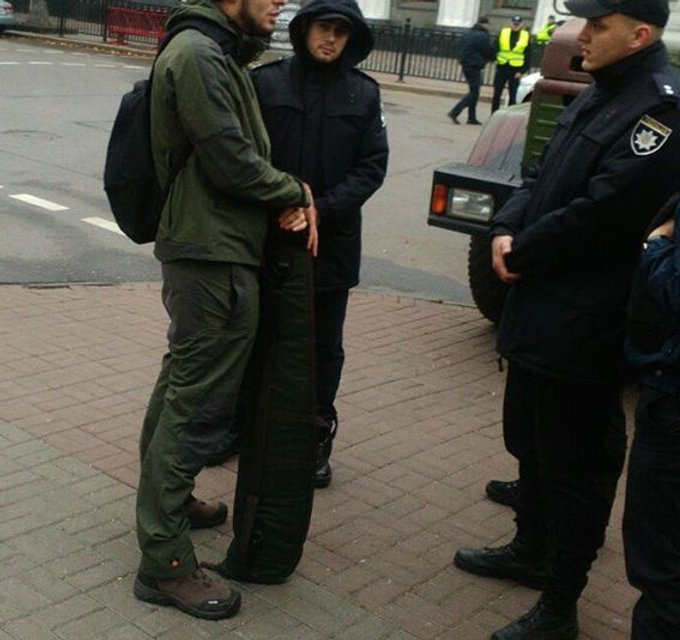 Задержанным оказался житель Одесской области - фото 83370