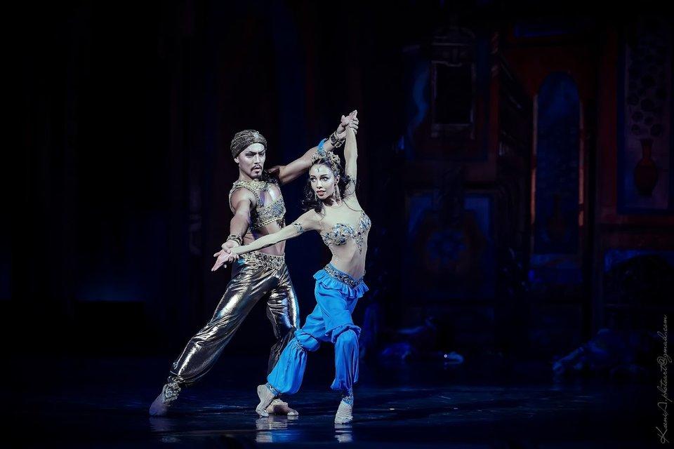 Адамжан Бахтияр и Екатерина Кухар - фото 86059