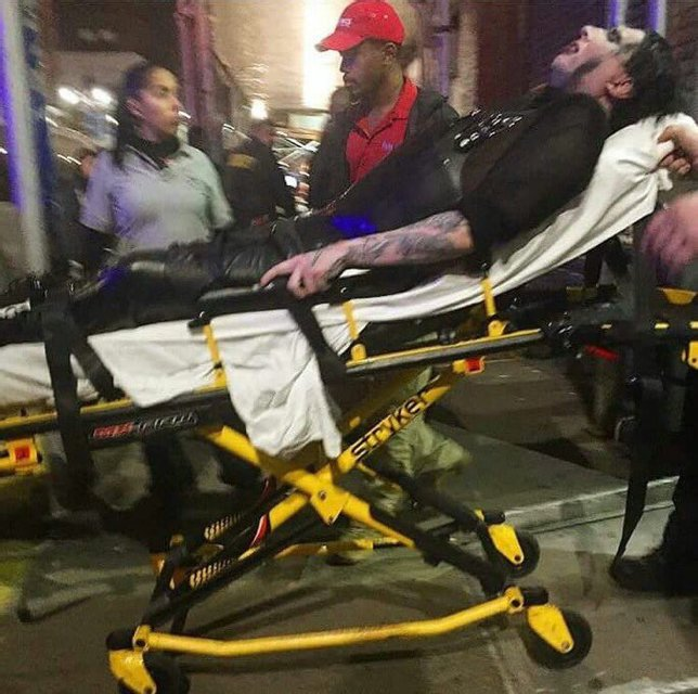 Инцидент в Нью-Йорке: Мэрилин Мэнсон отменил концерты из-за травмы - фото 78024