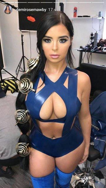 Деми Роуз показала свои сексуальные формы в костюмах на Хэллоуин - фото 85464
